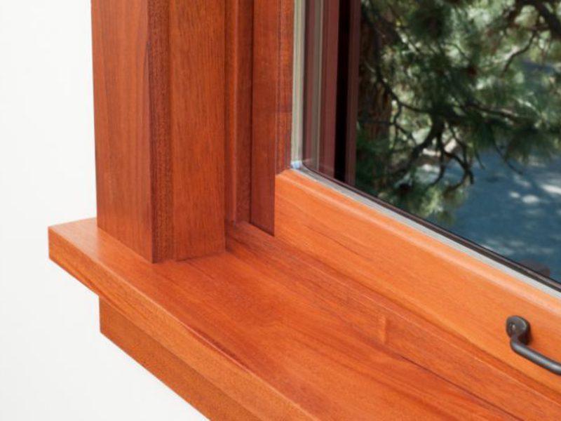 Montage von Fensterbänken
